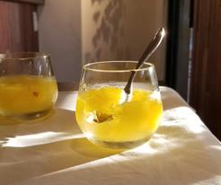 レモンバーベナの香るパイナップルゼリー